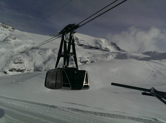 Club Med Cervinia : cable car
