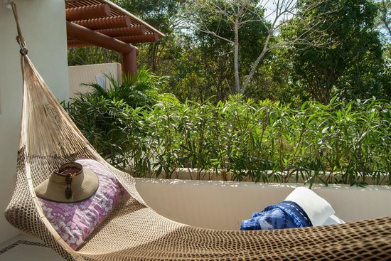 Solana Boutique B&B: Lounge in your hammock in the Azulillo Suite