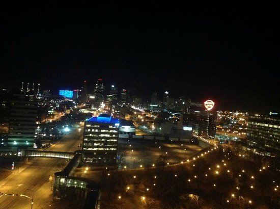 The Westin Crown Center: Night view from 15th floor room.
