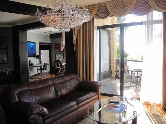 La Mansion Inn: Great room