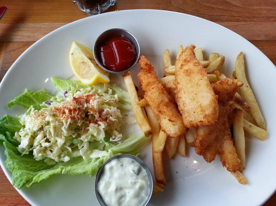 Harbor Lights: Fish and Chips with coleslaw and BEST tarter sauce