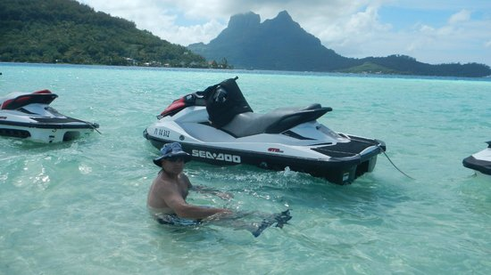 Moana Adventure Tours : Jetskiing in paradise!!