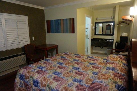 Hollywood City Inn : Habitación
