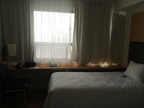 Bond Place Hotel: Самый дешевый номер в гостинице - twin room с двумя кроватями