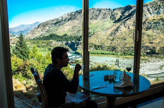 Nugget Point Queenstown Hotel: The restaurant