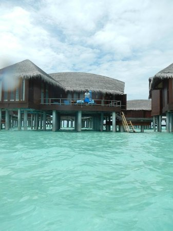 Anantara Dhigu Maldives Resort: view of our overwater villa from the ocean