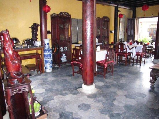 Vinh Hung Heritage Hotel: Lobby breakfsat area