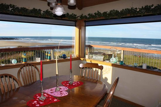SeaQuest Inn Bed & Breakfast: Breakfast View