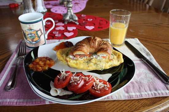SeaQuest Inn Bed & Breakfast: Breakfast