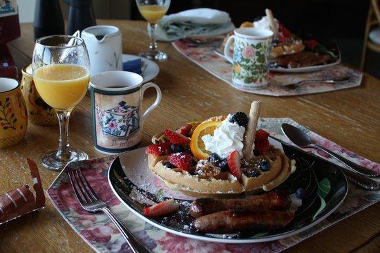 The SeaQuest Estate: Breakfast 2