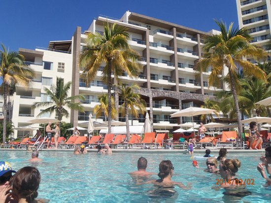 Now Amber Puerto Vallarta: Looking at the prefered club rooms