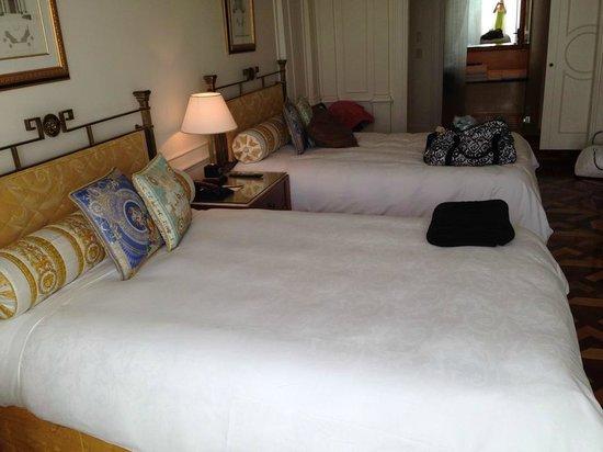 Palazzo Versace: beds