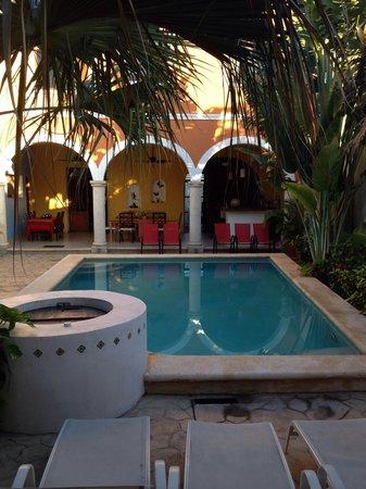 Merida Santiago Hotel Boutique: Piscina