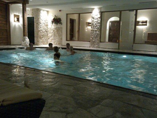 Sporthotel Monte Pana: Piscina interna con idromassaggio