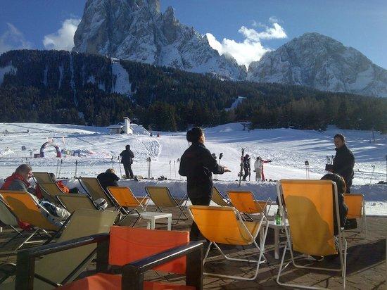 Sporthotel Monte Pana: Accesso alle piste dall'albergo
