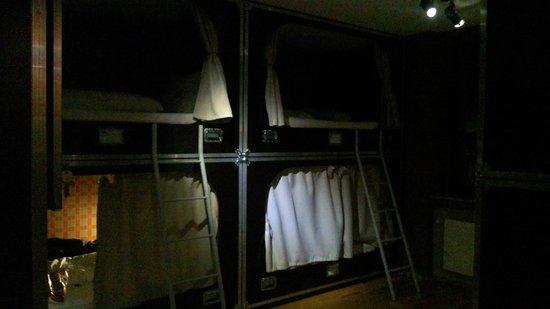 Die Wohngemeinschaft Hostel: 6-bed Dorm