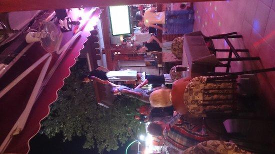 September Restaurant & Bar: entertainment