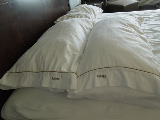 Holiday Inn Express Hermosa Beach : Soft & firm pillows