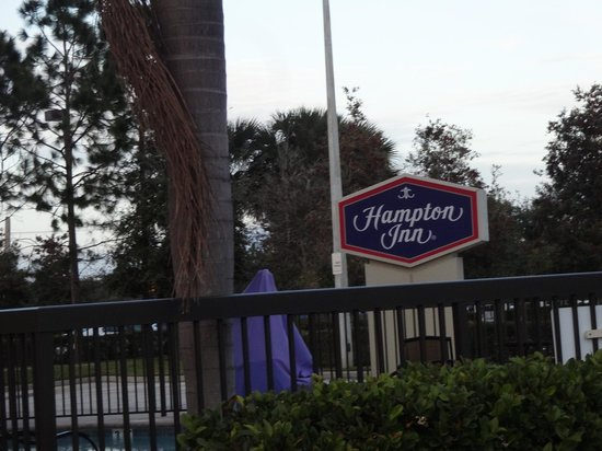 Hampton Inn Melbourne-Viera: Front of Hotel