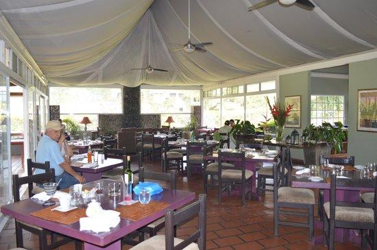 The Rock: Acogedor restaurante