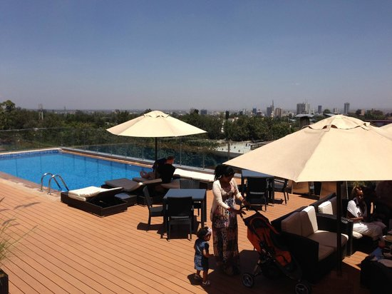 BEST WESTERN PREMIER Nairobi: View of the pool area from the rooftop care