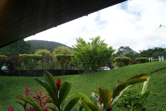 GreenLagoon Wellbeing Resort : view of arenal from room 4