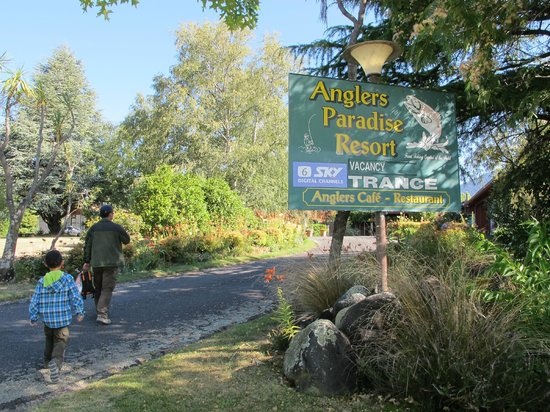 Anglers Paradise Motel: entrance