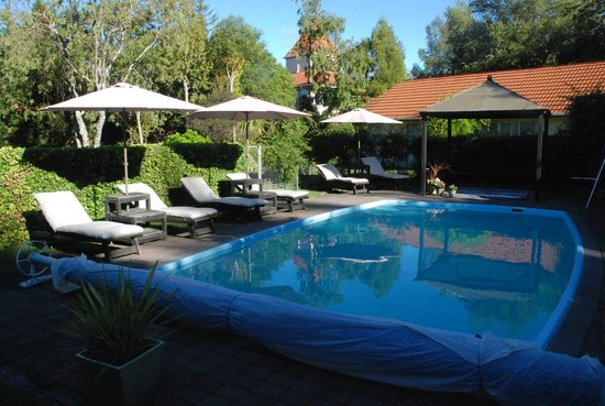 Anglers Paradise Motel: pool