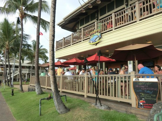 Humpy's Big Island Alehouse: outside of restaurant
