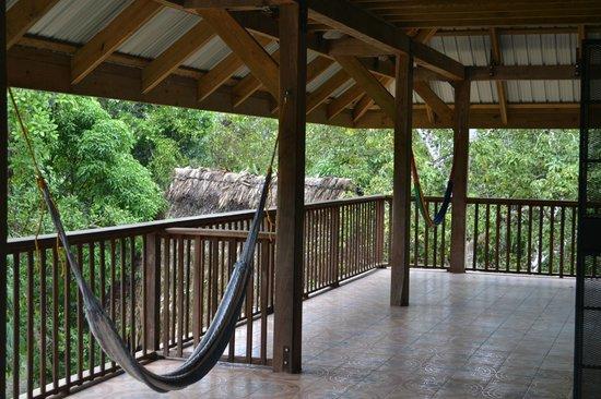 Martz Farm Treehouses and Cabanas Ltd.: Garden rooms balcony