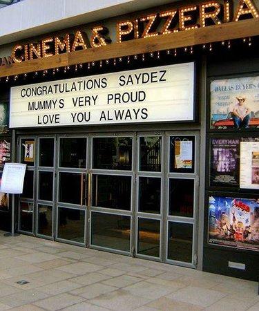 Everyman Cinema Leeds : Entrance