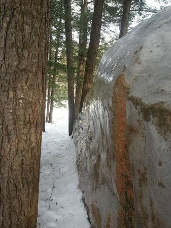 Kancamagus Highway: Ice civered rock by the lower falls