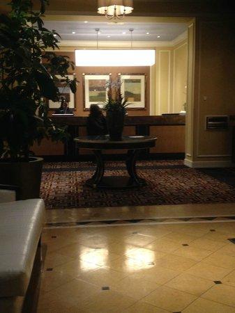 Kimpton Hotel Monaco Salt Lake City: Front Desk