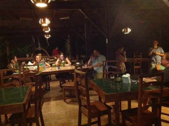 Hotel Rústico de Playa Perla Negra: Enjoying company of other travelers