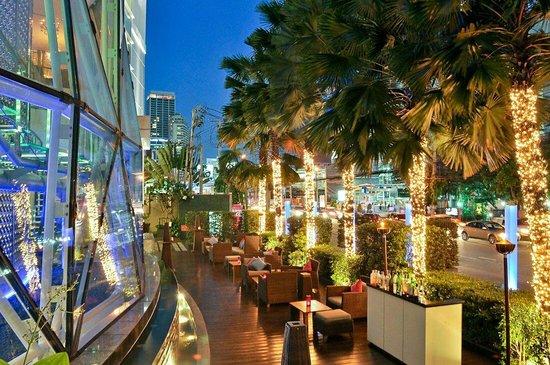 Pullman Bangkok Grande Sukhumvit: Inblu terrace