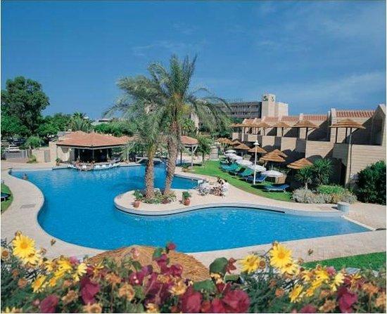 Palm Beach Hotel & Bungalows : The Paradise!!