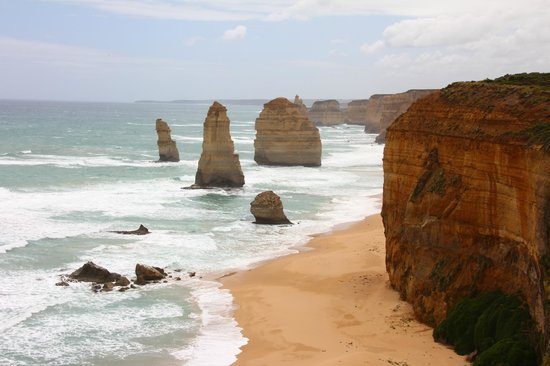 Go West Tours: Great Ocean Road 12 Apostles