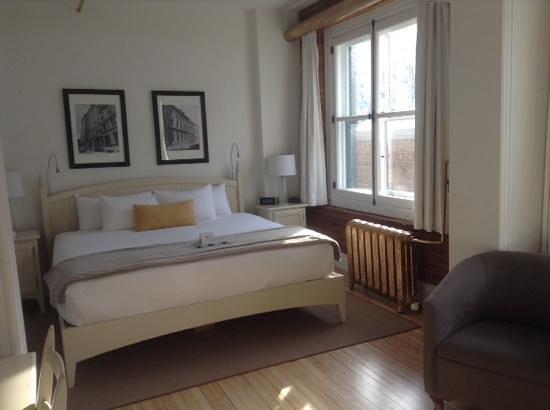 Le Saint-Pierre Auberge Distinctive : room 406, mini suite