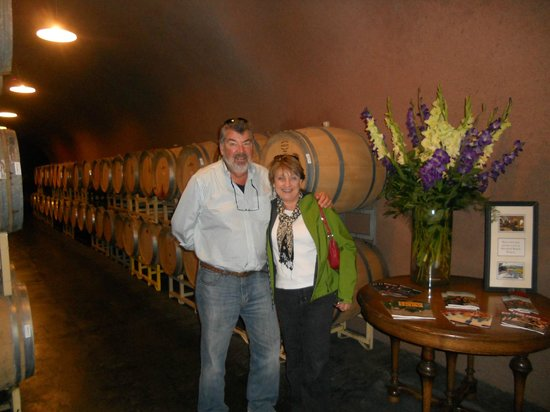 Intimate Wine Tours : Wine barrels and us