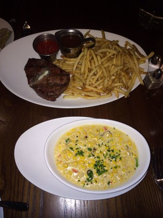 E&E Grill House: Jalapeño Bacon Cream Corn