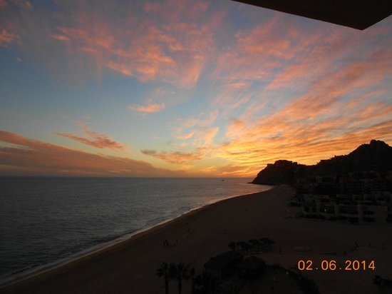 Grand Solmar Land's End Resort & Spa: The sunsets are an event upon themselves