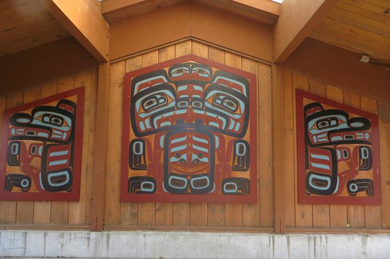 Quileute Indian Reservation: Pullout kiosk