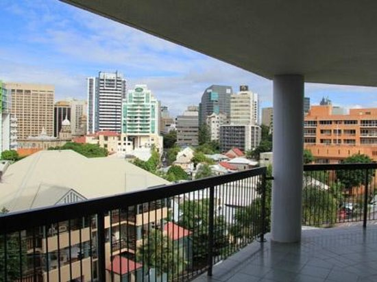 Spring Hill Centrepoint : View of Brisbane CBD from Balcony