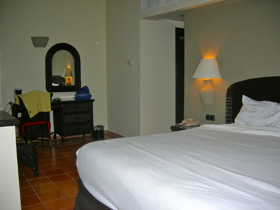 Catalonia Bavaro Beach, Casino & Golf Resort: Large room