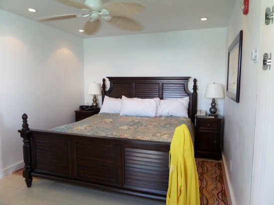 Pier House Resort & Spa: small bedroom