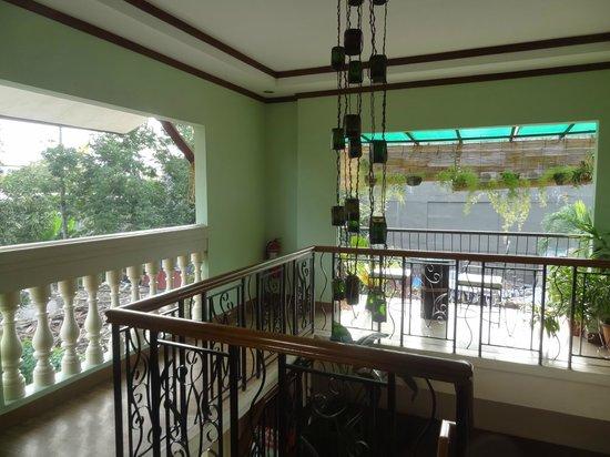 Bahay Ni Tuding Inn : second floor balcony