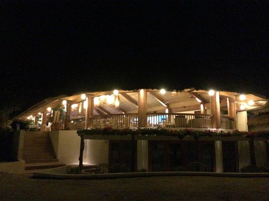 Bluewater Panglao Beach Resort: Dining Area from the Beach