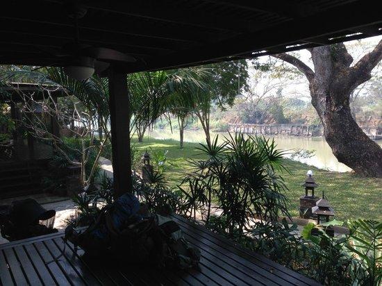 Baannamping Riverside Village: patio again