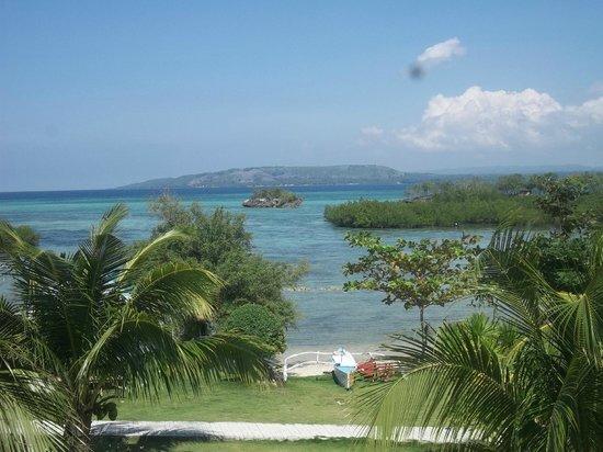 Moalboal Beach Resort: lovelyy