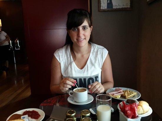 Hotel Madero: Desayunando en el restó